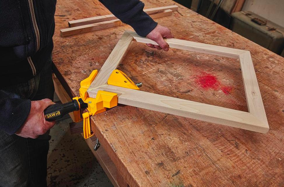 Dewalt 90 Degree Angle Wood Woodworking 2 Clamps