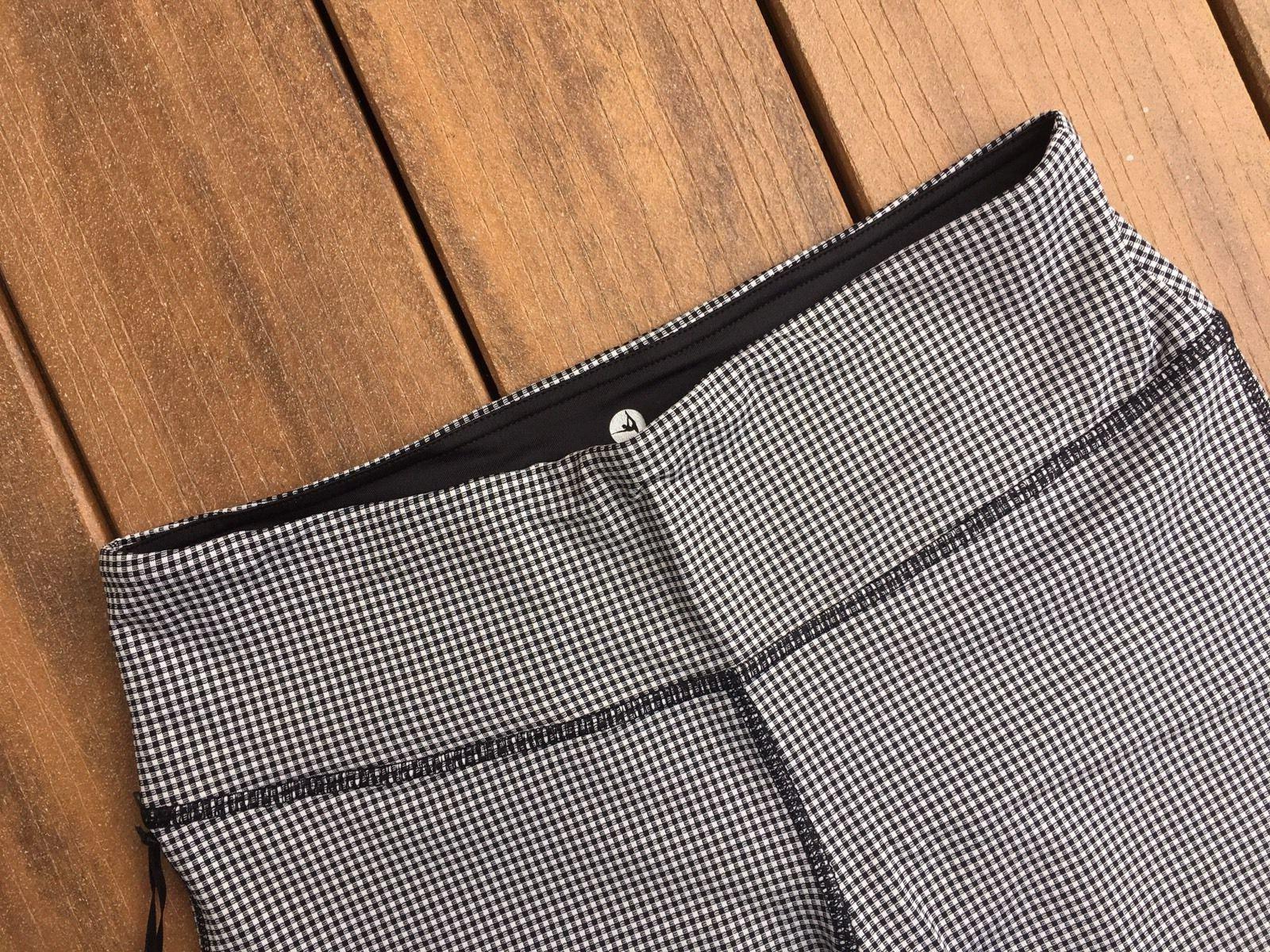 New 90 Performance Capri Black White Check XS, S